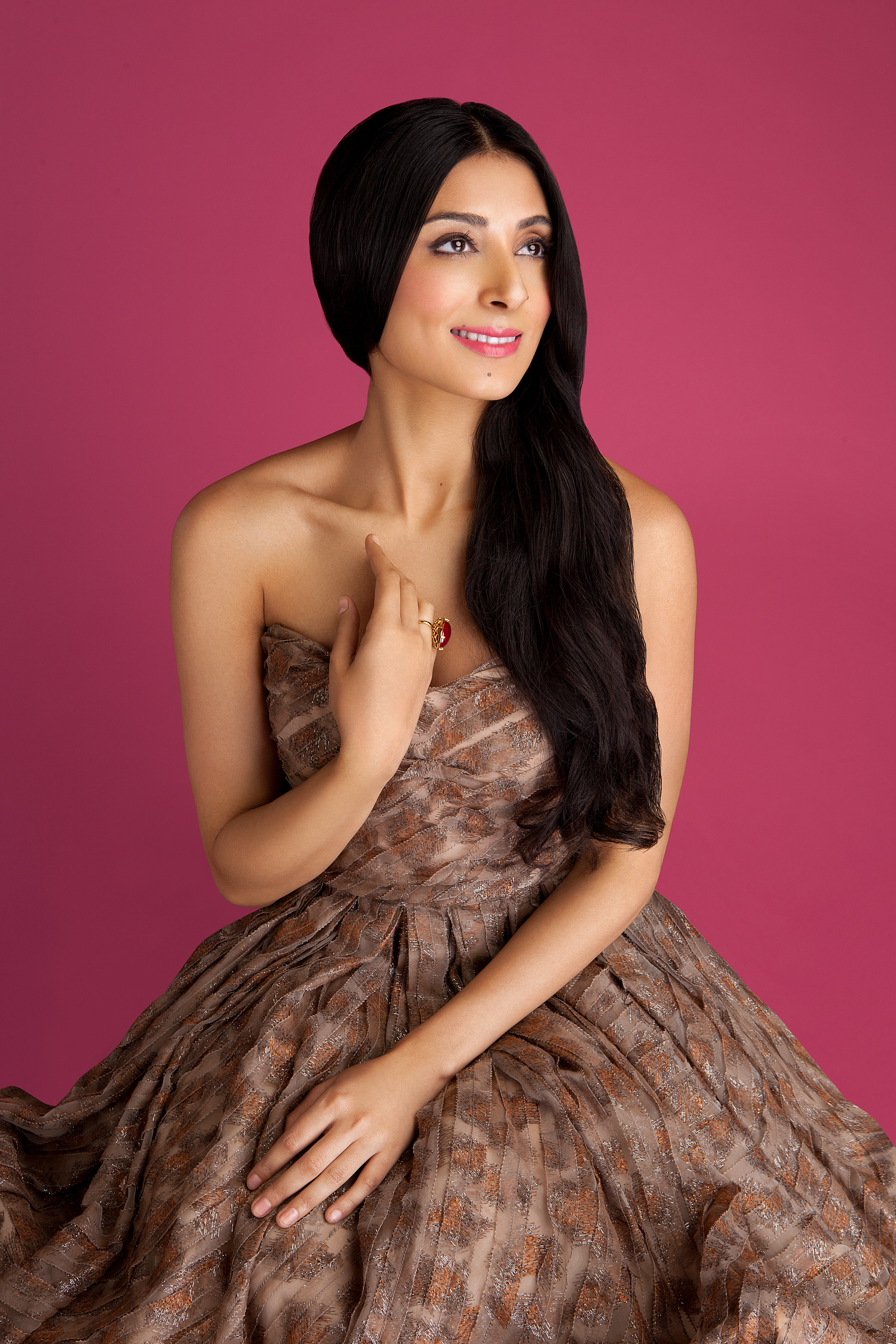 Pernia Qureshi Backgrounds, Compatible - PC, Mobile, Gadgets| 4096x6144 px