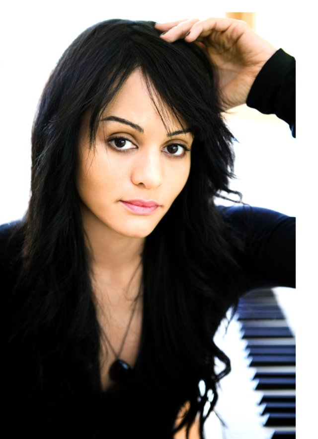 Persia White Backgrounds, Compatible - PC, Mobile, Gadgets| 640x882 px
