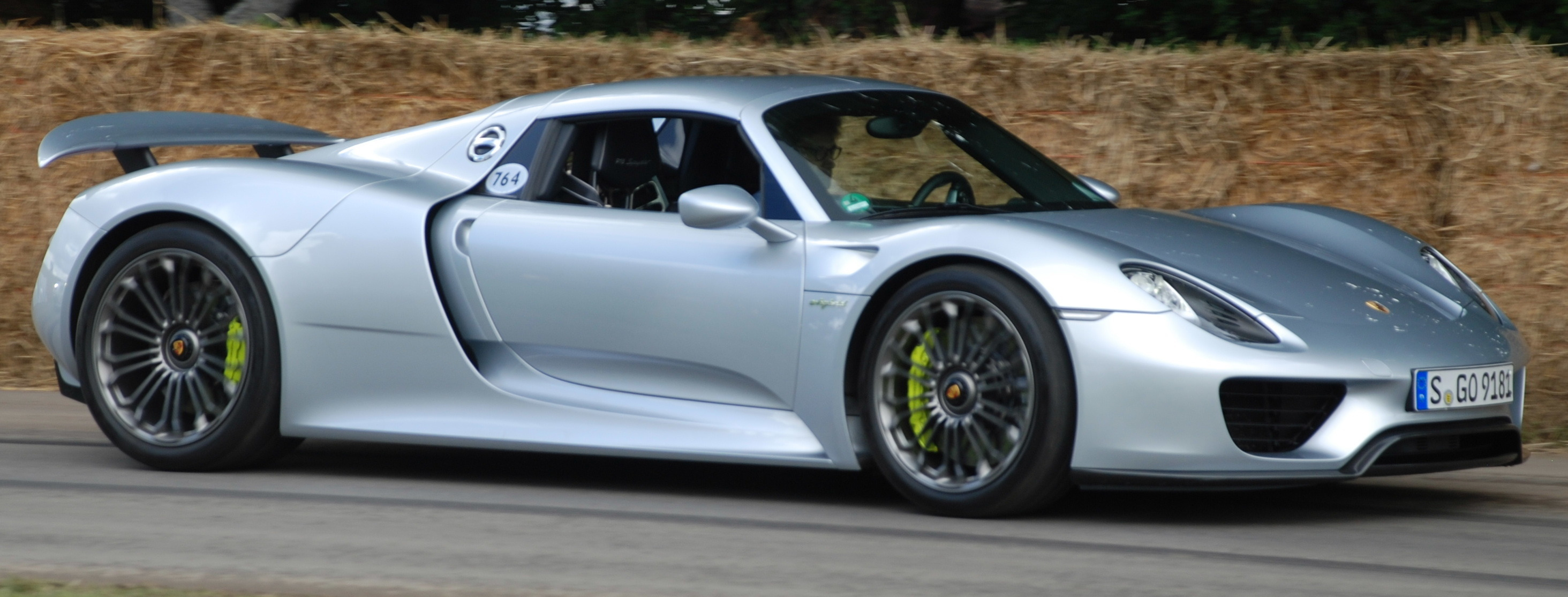 Porsche 918 Spyder Wallpapers Vehicles Hq Porsche 918 Spyder Pictures 4k Wallpapers 2019