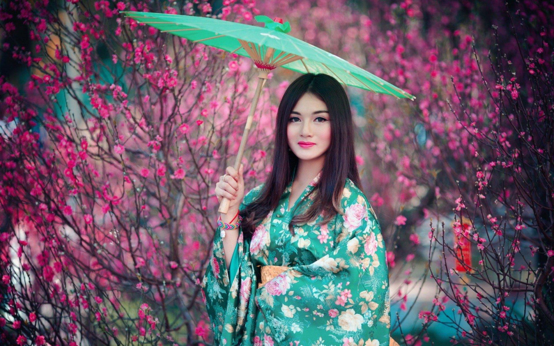 Amazing Qiān Yòu Pictures & Backgrounds