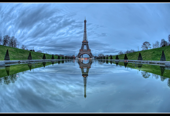 Nice Images Collection: Reflection Desktop Wallpapers