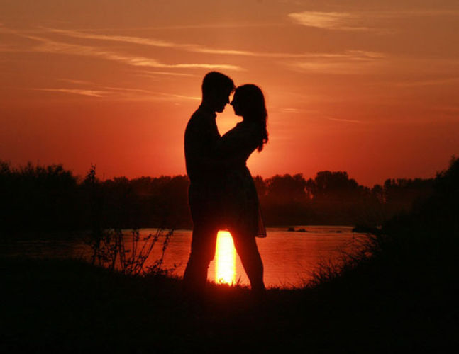 Amazing Romance Pictures & Backgrounds