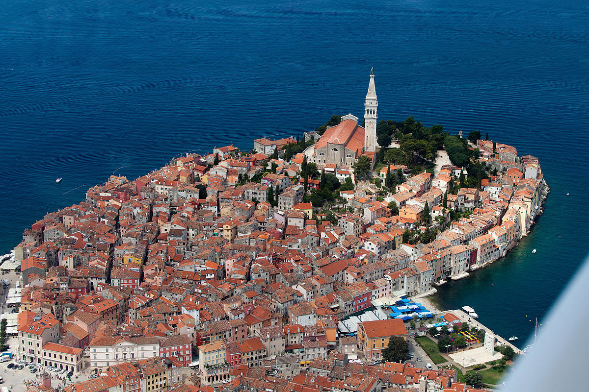 HQ Rovinj Wallpapers | File 385.13Kb
