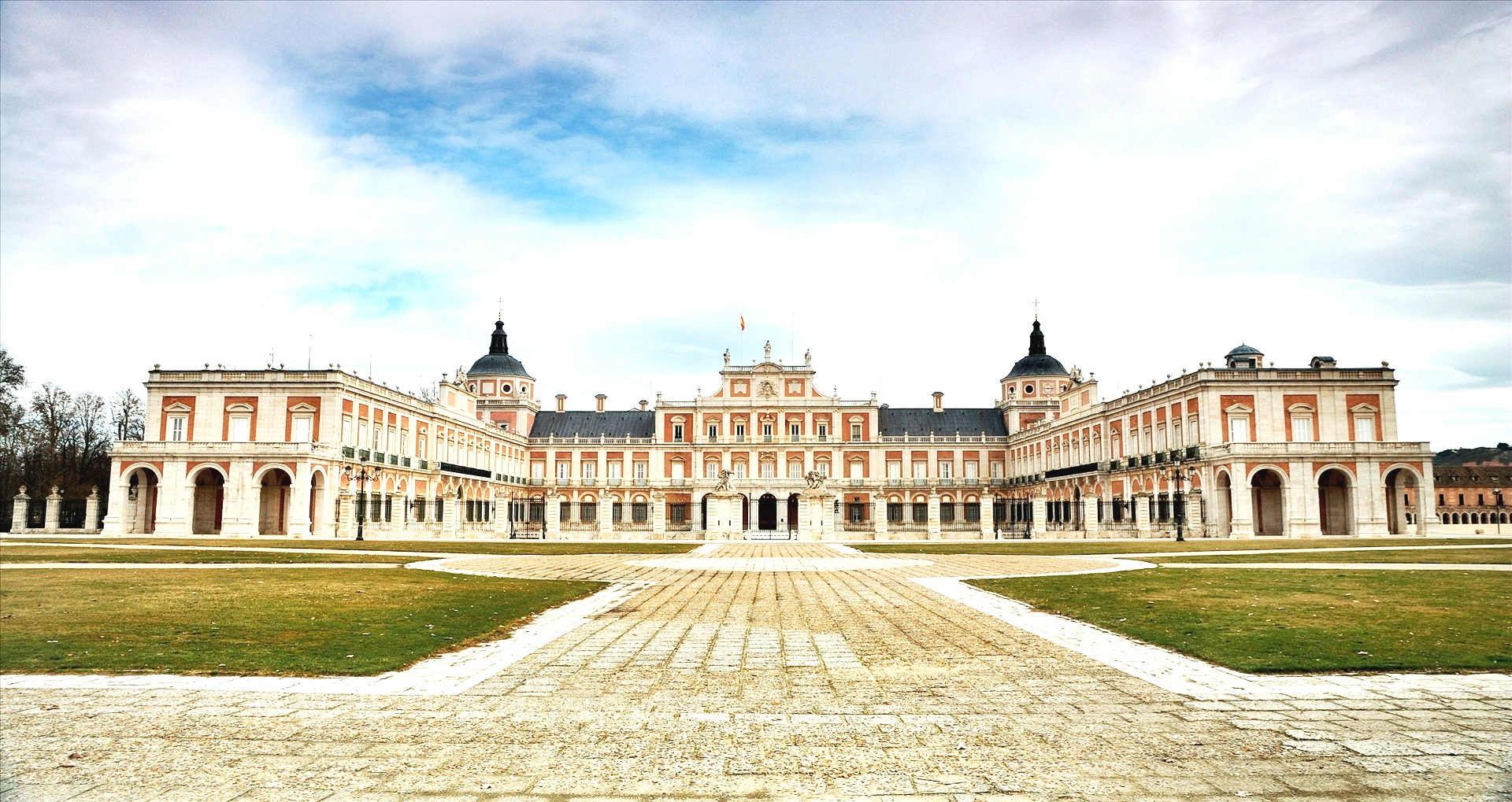 HQ Royal Palace Of Aranjuez Wallpapers | File 753Kb