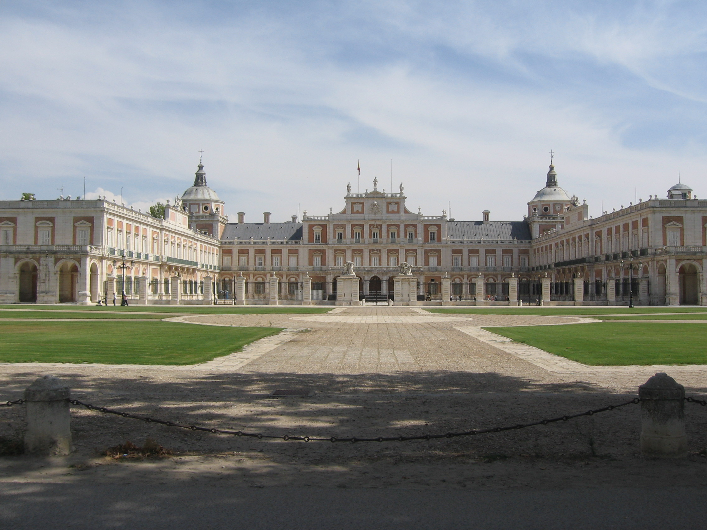 Royal Palace Of Aranjuez Backgrounds, Compatible - PC, Mobile, Gadgets| 2272x1704 px