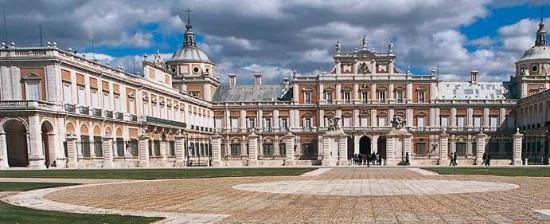 High Resolution Wallpaper | Royal Palace Of Aranjuez 550x224 px