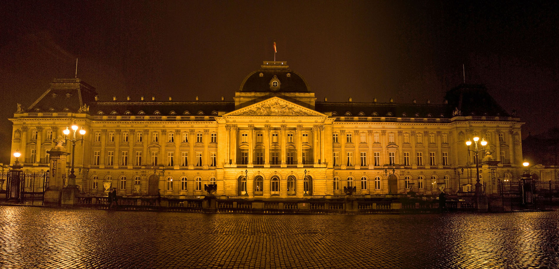 HQ Royal Palace Of Brussels Wallpapers | File 479.22Kb