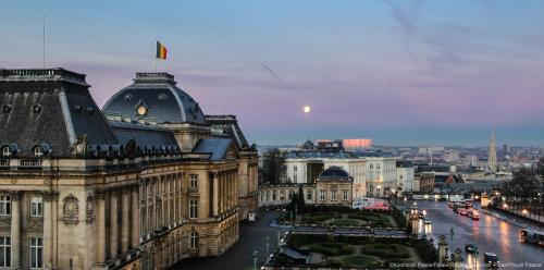 Royal Palace Of Brussels Backgrounds, Compatible - PC, Mobile, Gadgets| 500x248 px