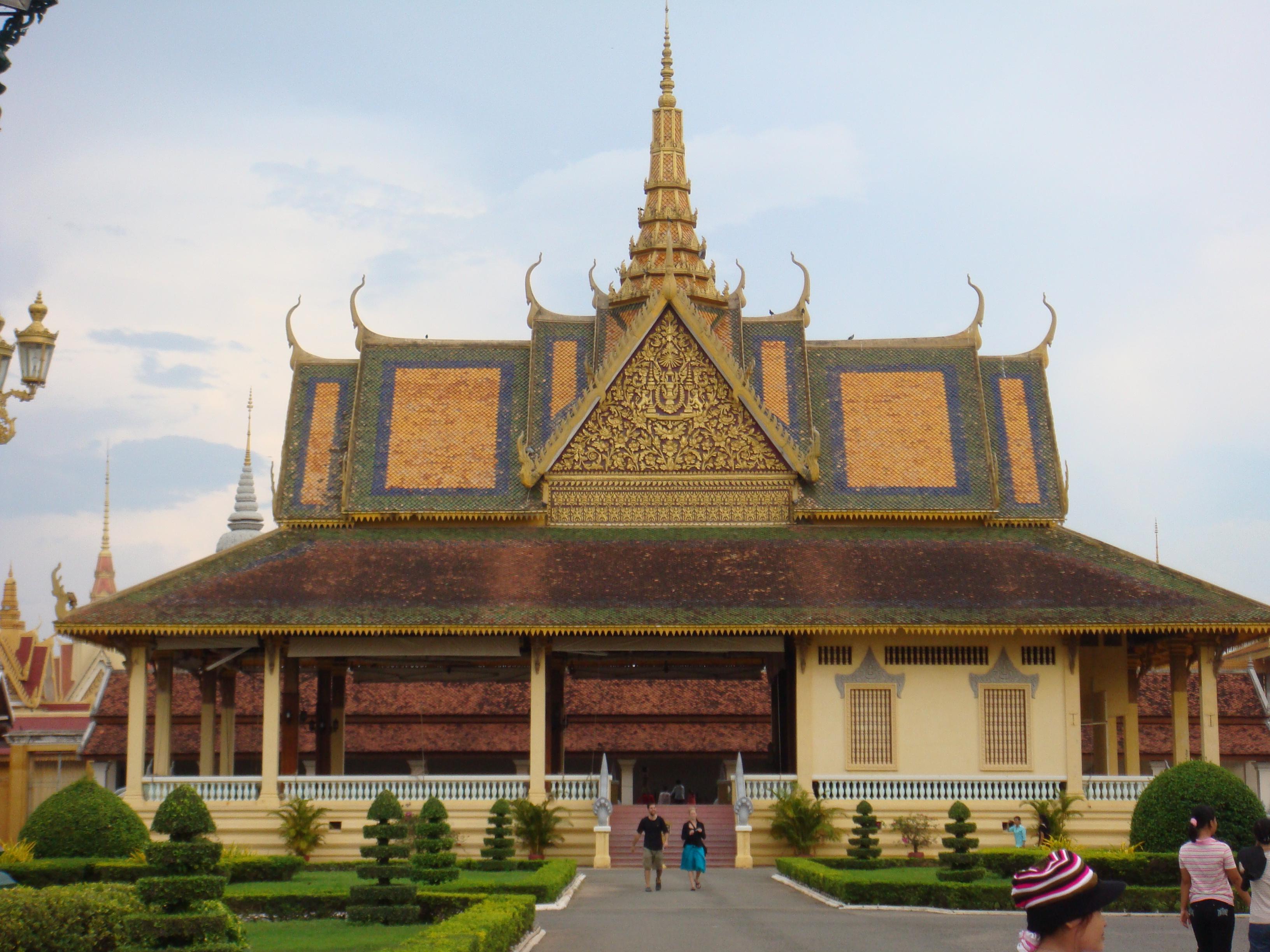 Royal Palace, Phnom Penh Backgrounds on Wallpapers Vista