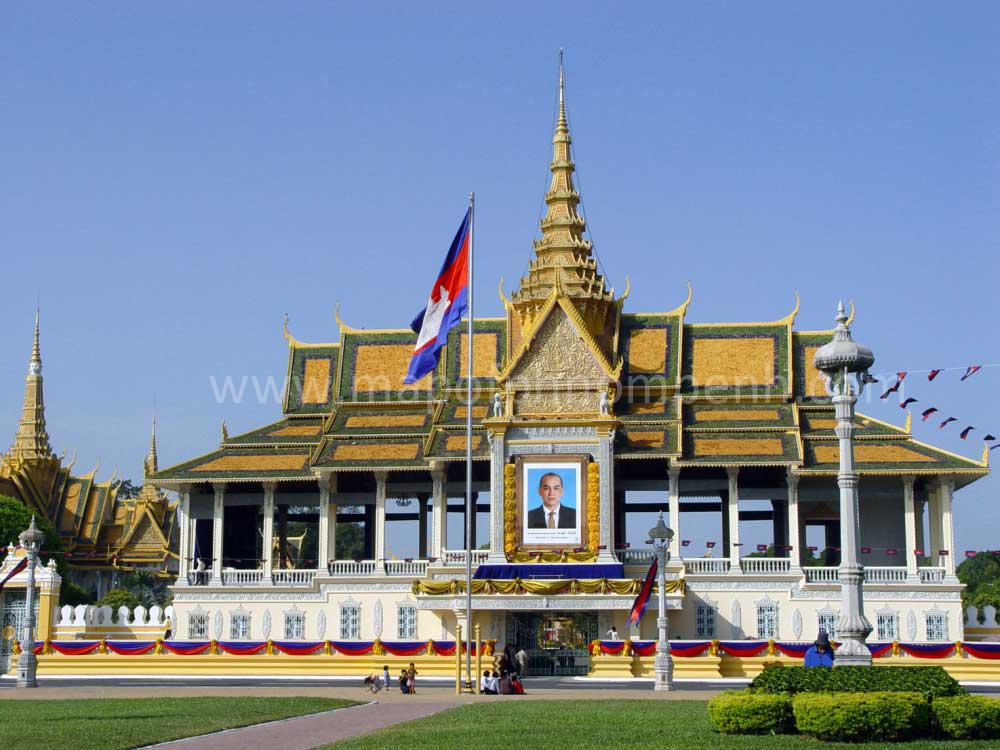 Royal Palace, Phnom Penh Backgrounds, Compatible - PC, Mobile, Gadgets| 1000x750 px