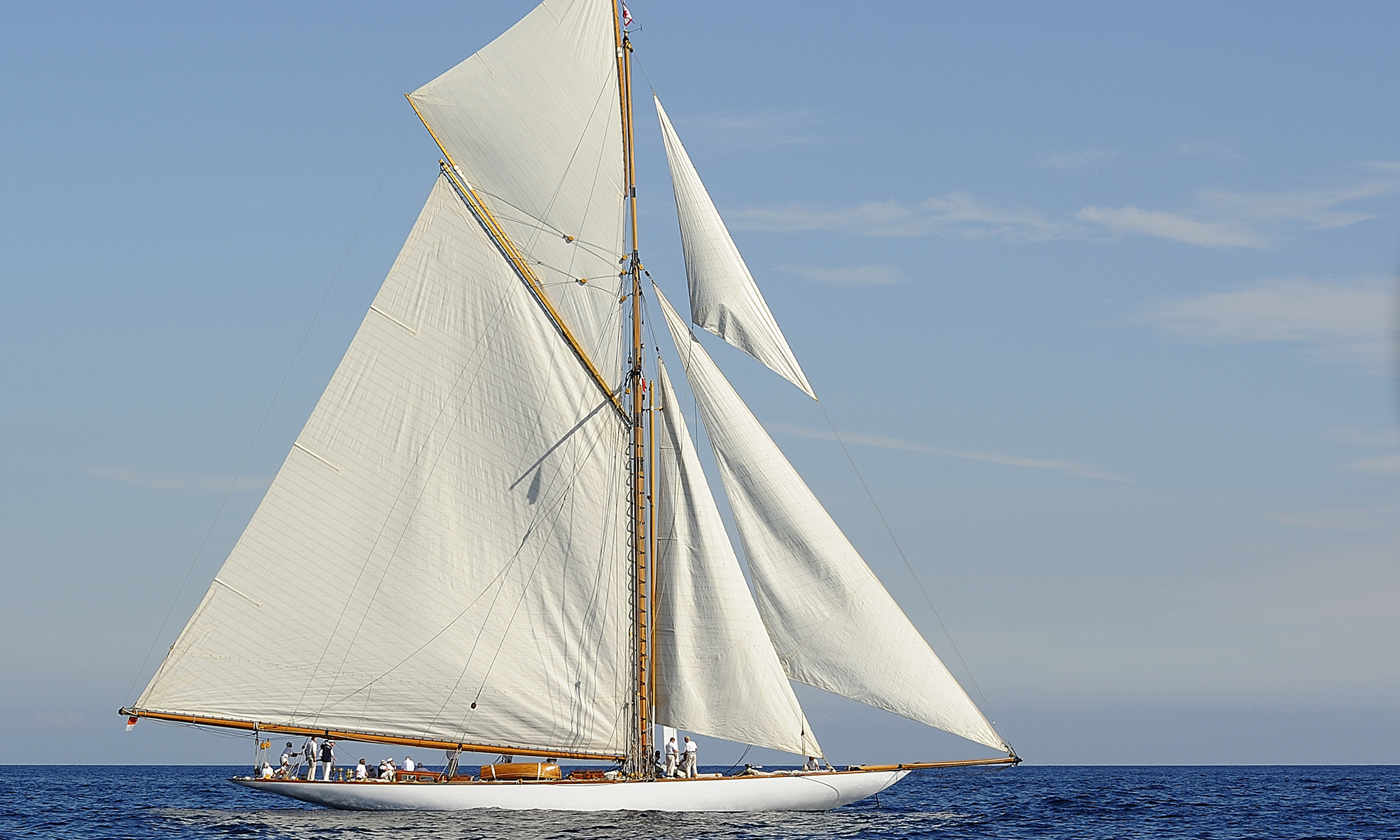 Amazing Sailboat Pictures & Backgrounds