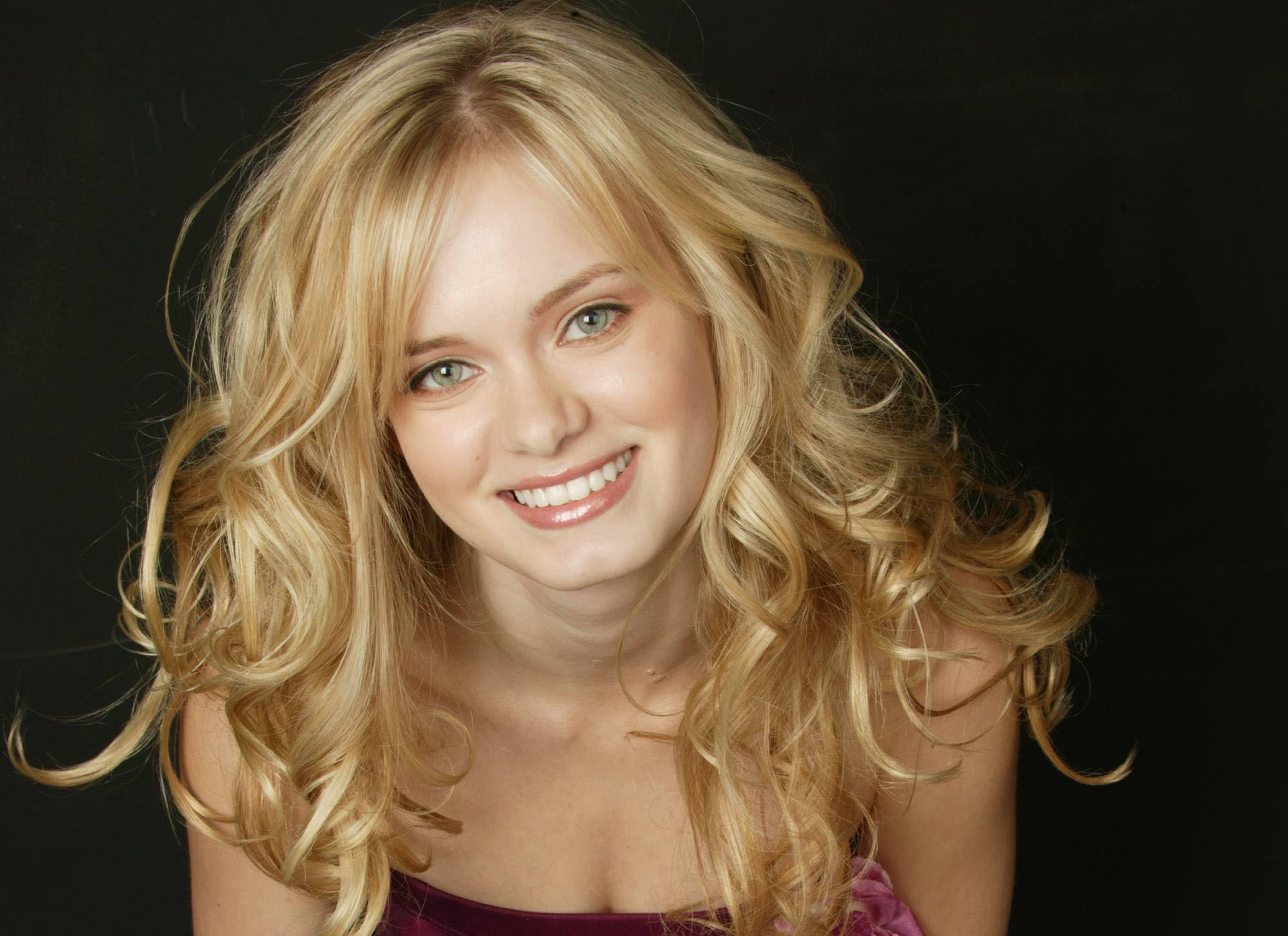 Sara Paxton Backgrounds, Compatible - PC, Mobile, Gadgets| 1997x1452 px