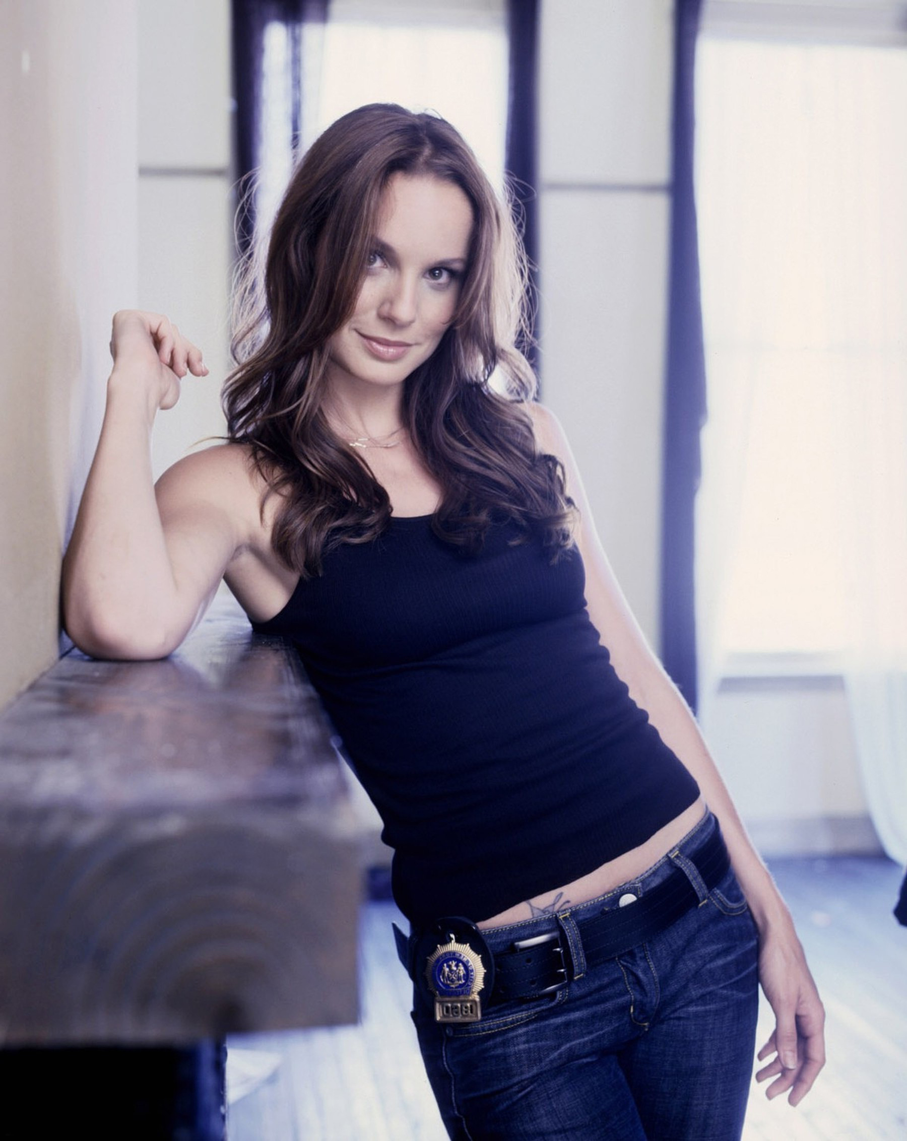 High Resolution Wallpaper | Sarah Wayne Callies 1800x2265 px