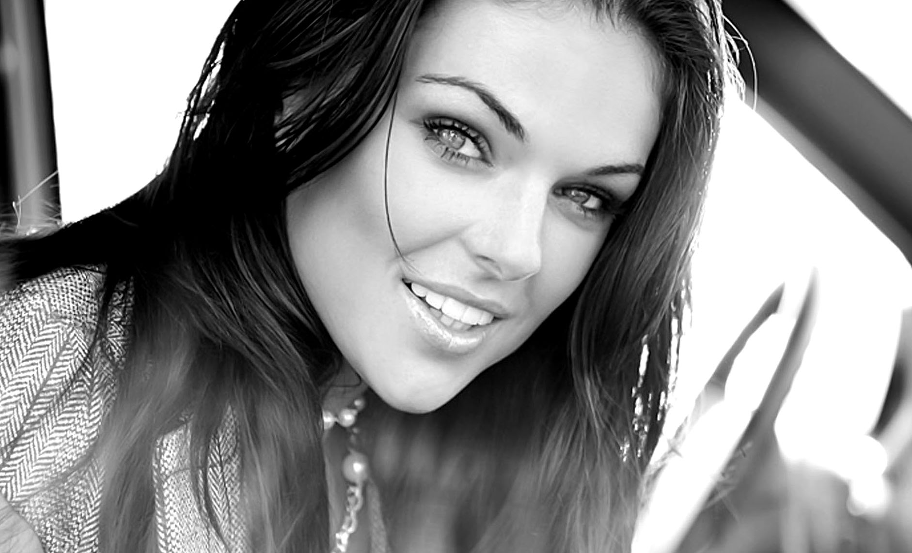 Nice Images Collection: Serinda Swan Desktop Wallpapers