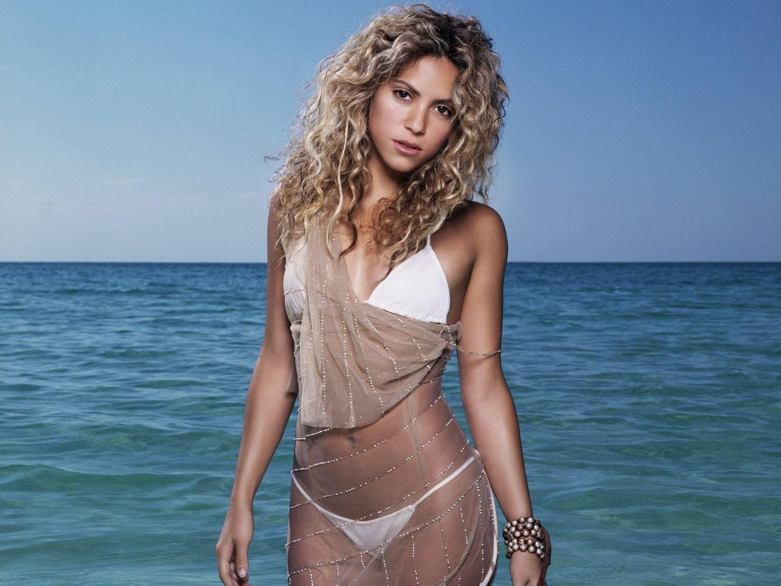 1600x1200 > Shakira Wallpapers