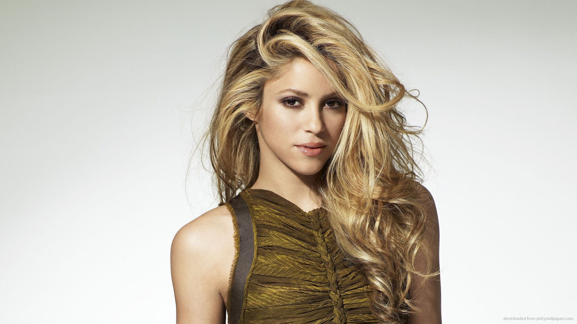Nice Images Collection: Shakira Desktop Wallpapers