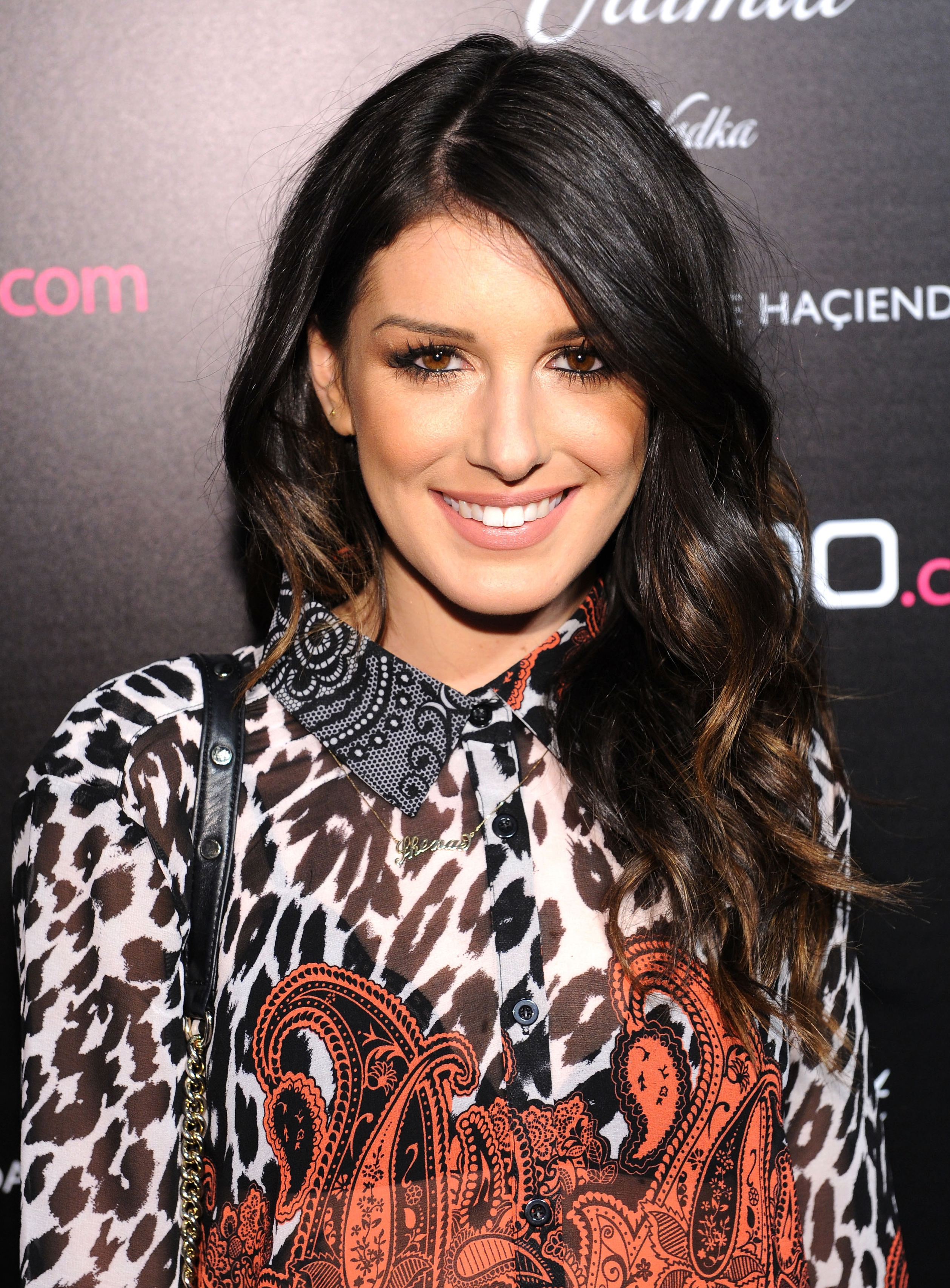 2518x3416 > Shenae Grimes Wallpapers