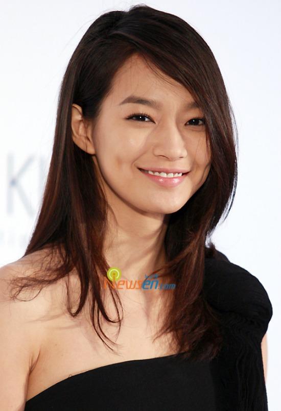 550x805 > Shin Min Ah Wallpapers