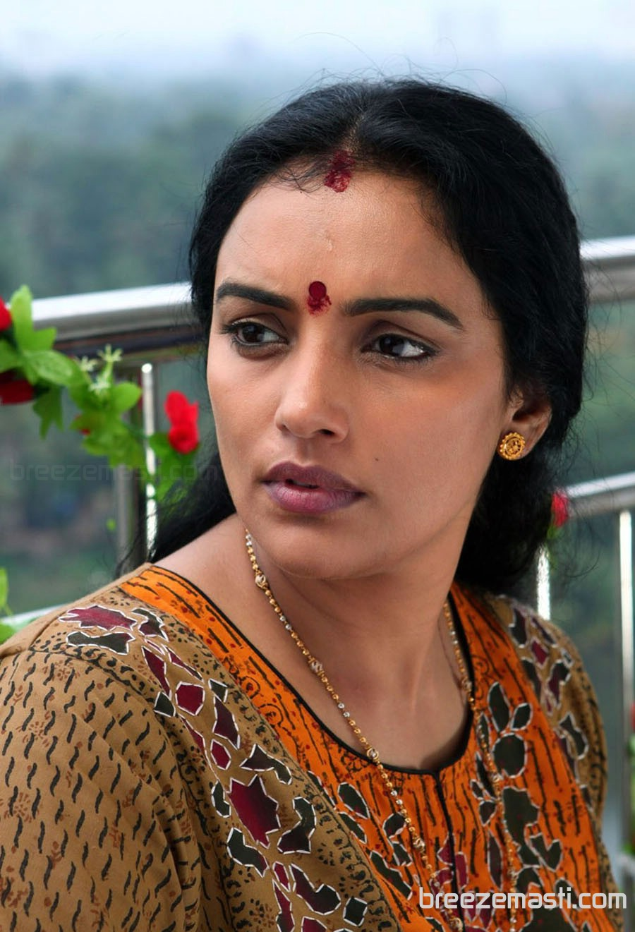 Nice Images Collection: Shweta Menon Desktop Wallpapers