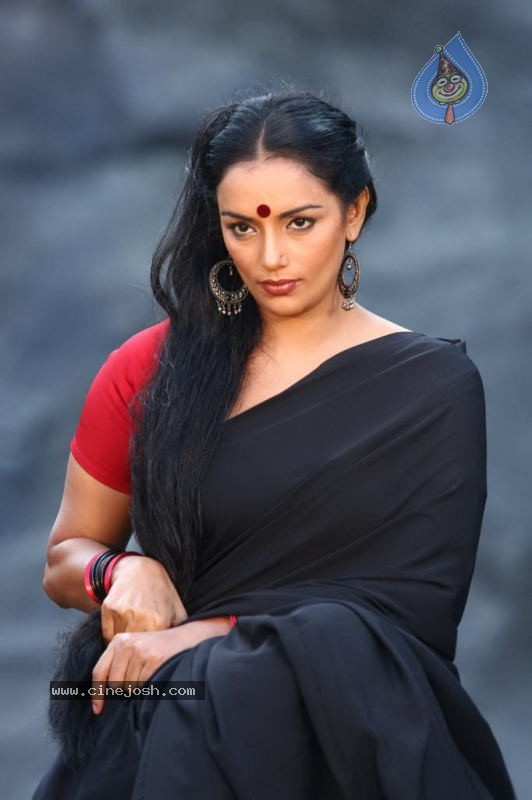 Amazing Shweta Menon Pictures & Backgrounds