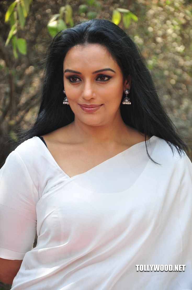HQ Shweta Menon Wallpapers | File 127.19Kb