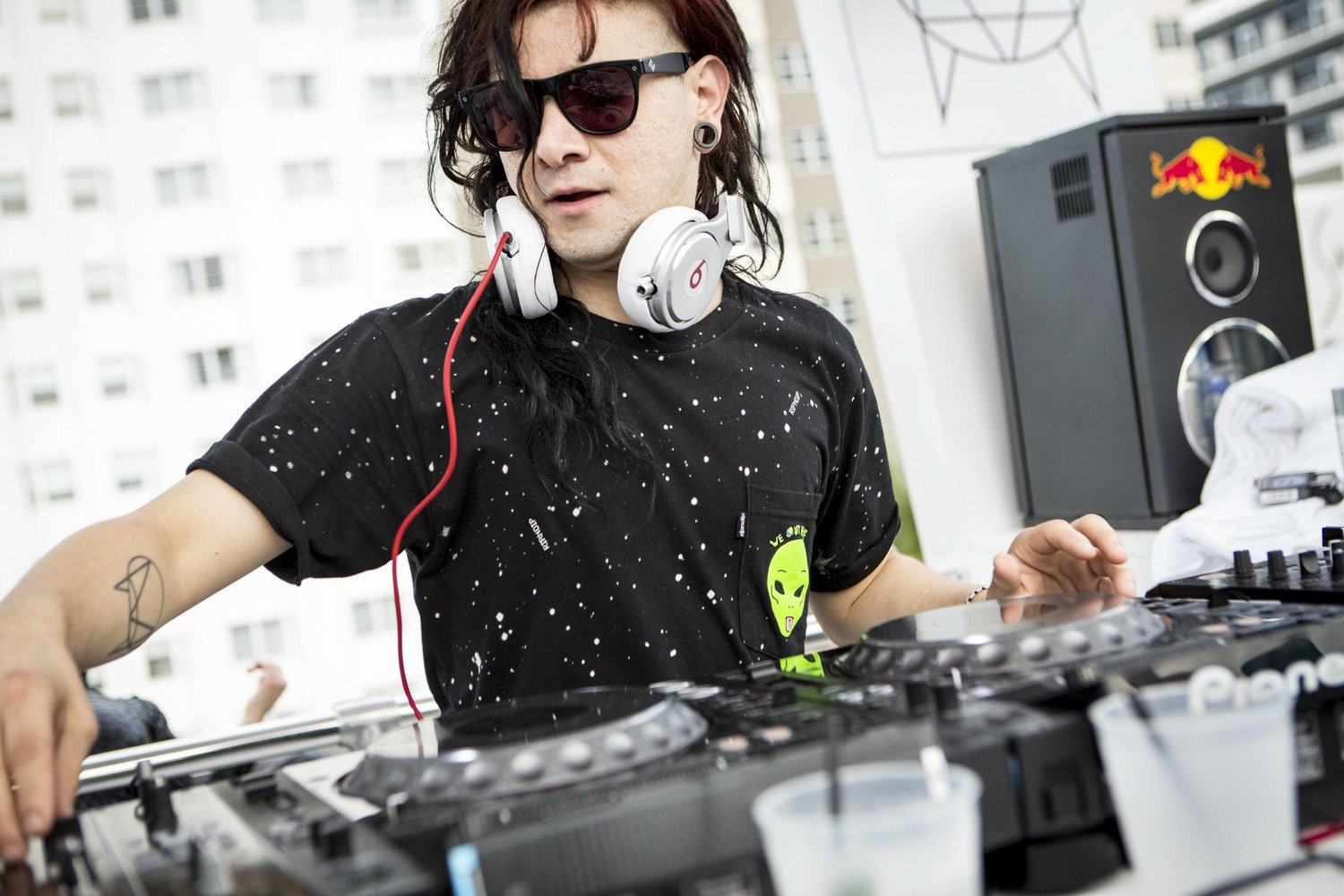 Skrillex Backgrounds, Compatible - PC, Mobile, Gadgets| 1500x1000 px
