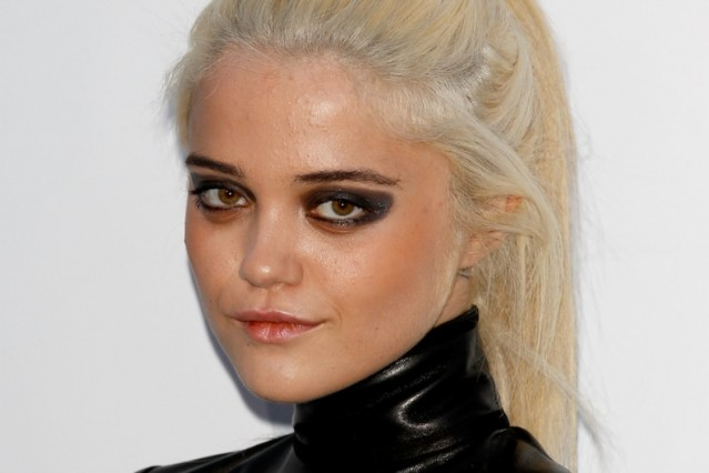 HQ Sky Ferreira Wallpapers | File 38.91Kb