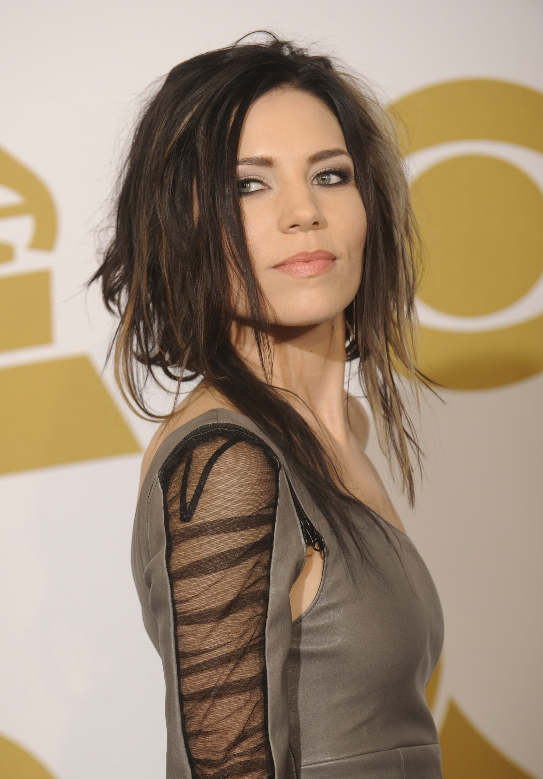 HD Quality Wallpaper | Collection: Celebrity, 2090x3000 Skylar Grey