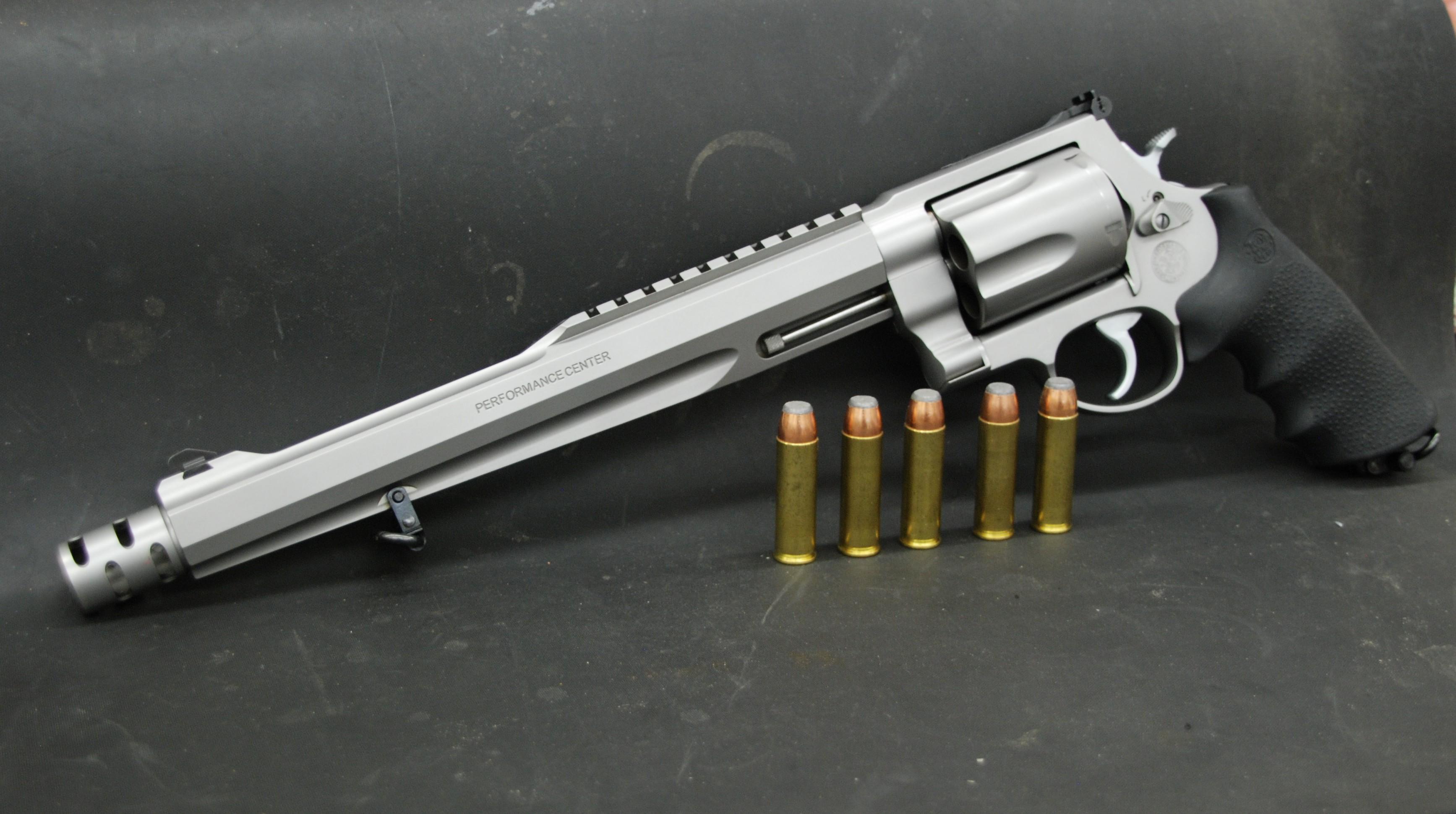 Magnum Vs Revolver