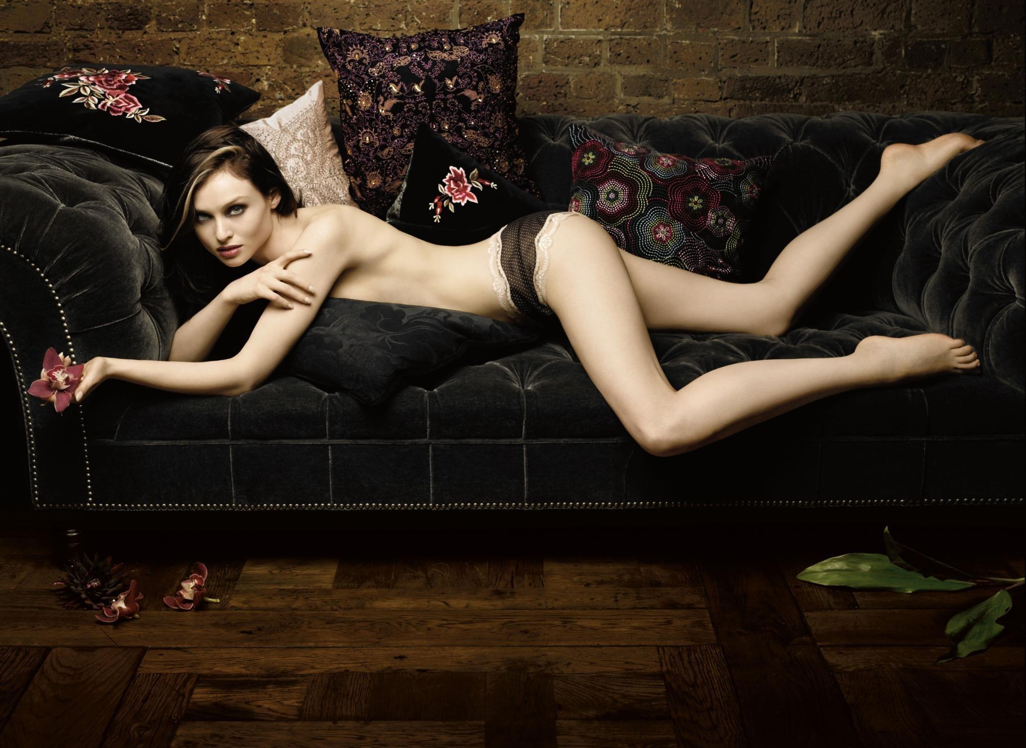 2100x1532 > Sophie Ellis-Bextor Wallpapers