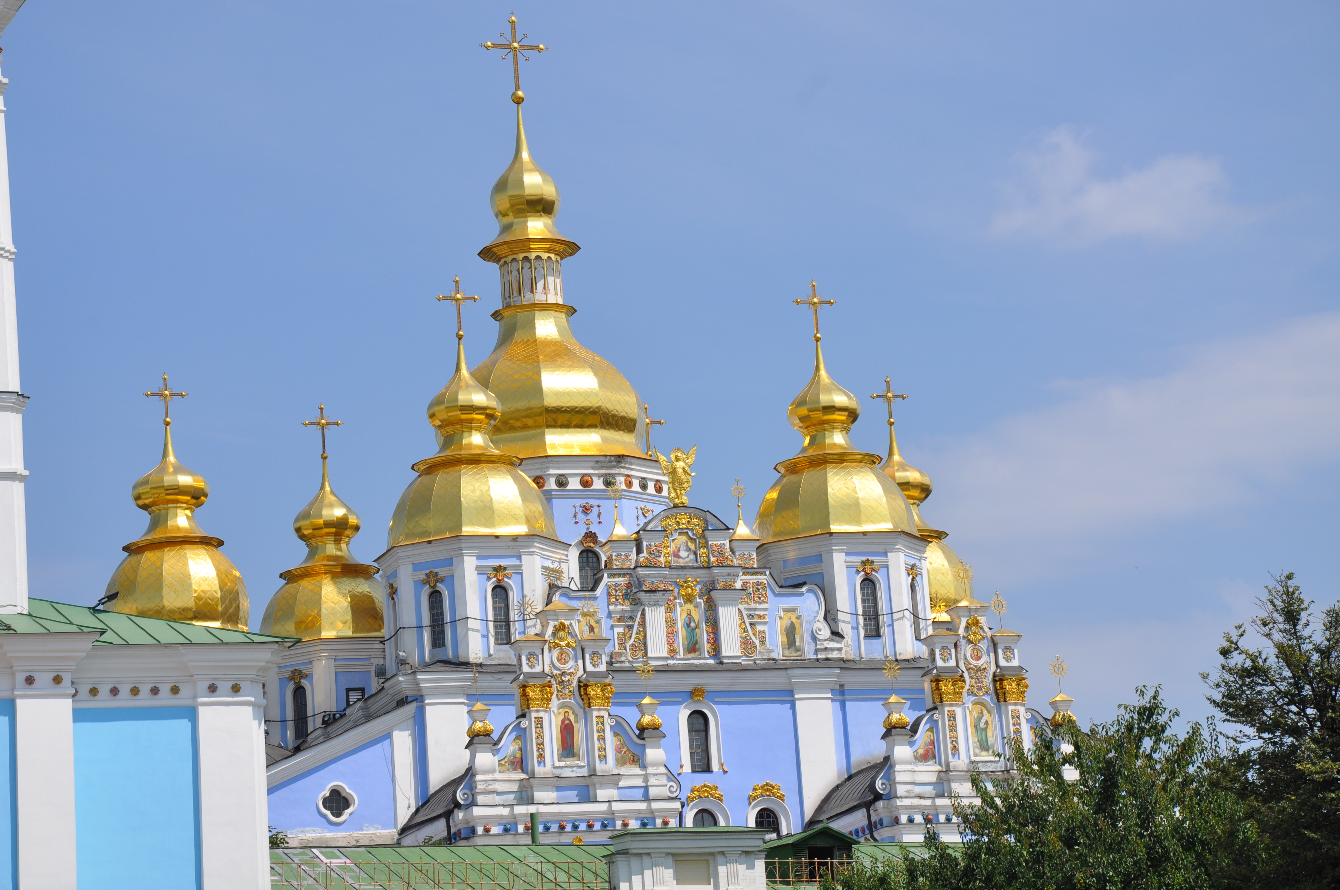 saint michaels golden domed monastery - HD 4288×2848