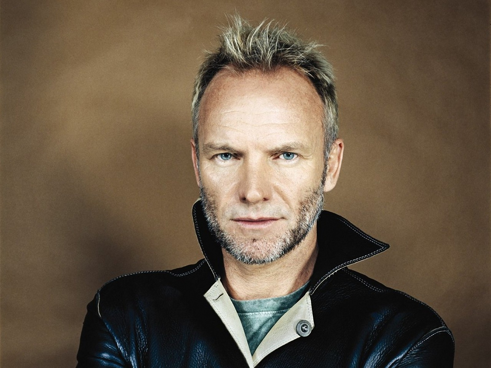 Amazing Sting Pictures & Backgrounds