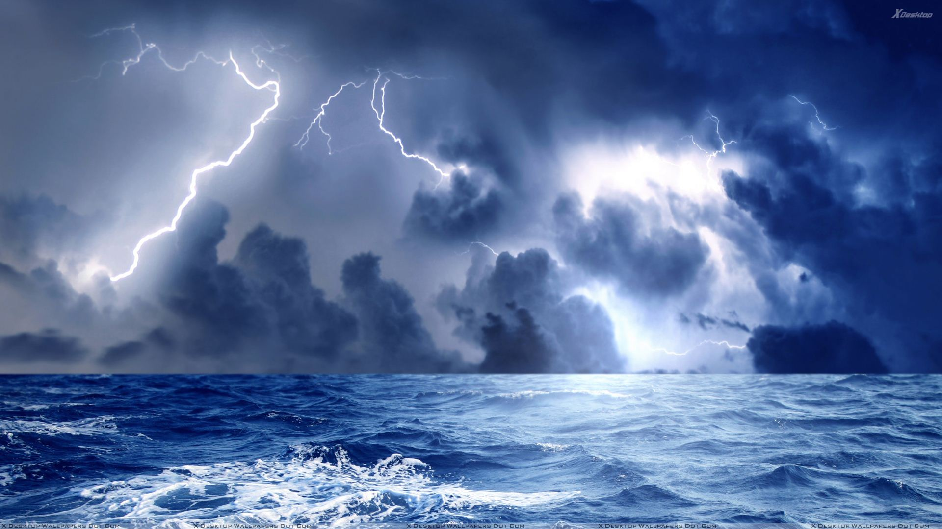 Amazing Storm Pictures & Backgrounds