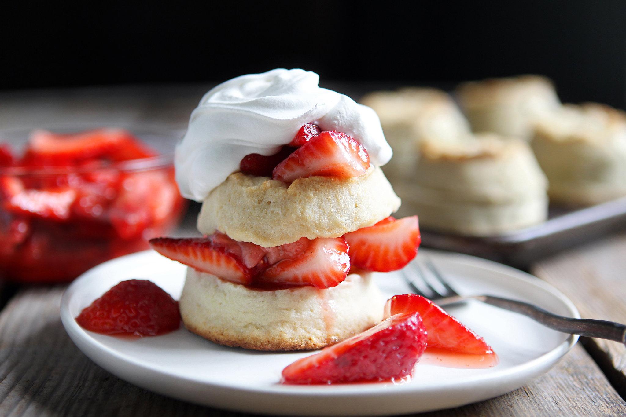 Strawberry Shortcake Backgrounds, Compatible - PC, Mobile, Gadgets| 2048x1365 px