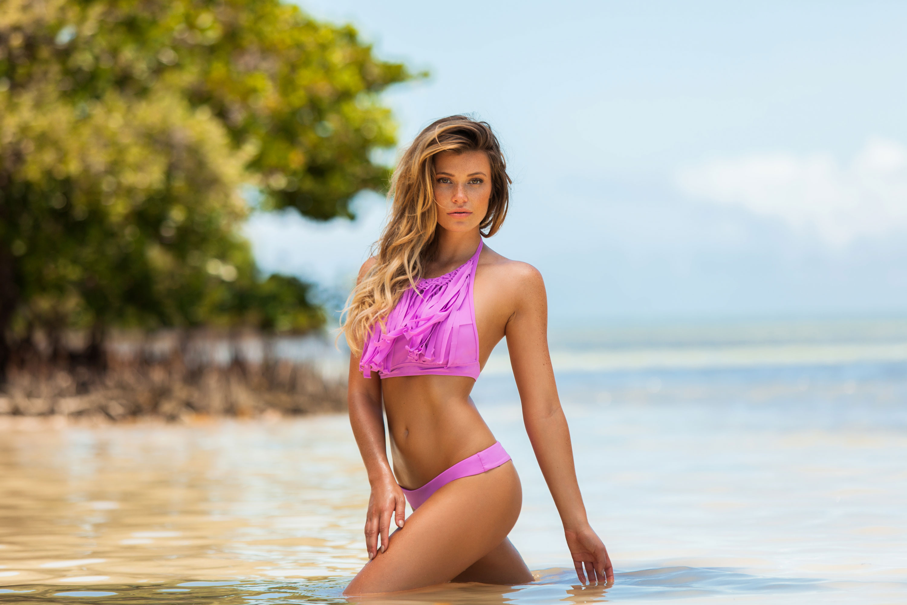 Amazing Swimwear Pictures & Backgrounds