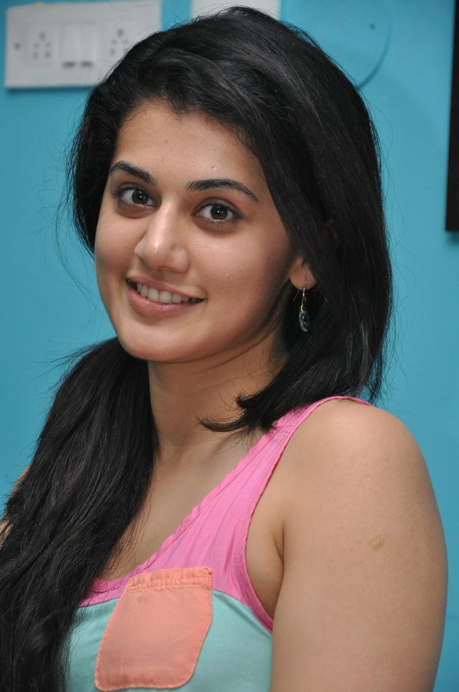Nice Images Collection: Taapsee Pannu Desktop Wallpapers