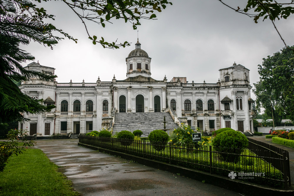 Amazing Tajhat Palace Pictures & Backgrounds