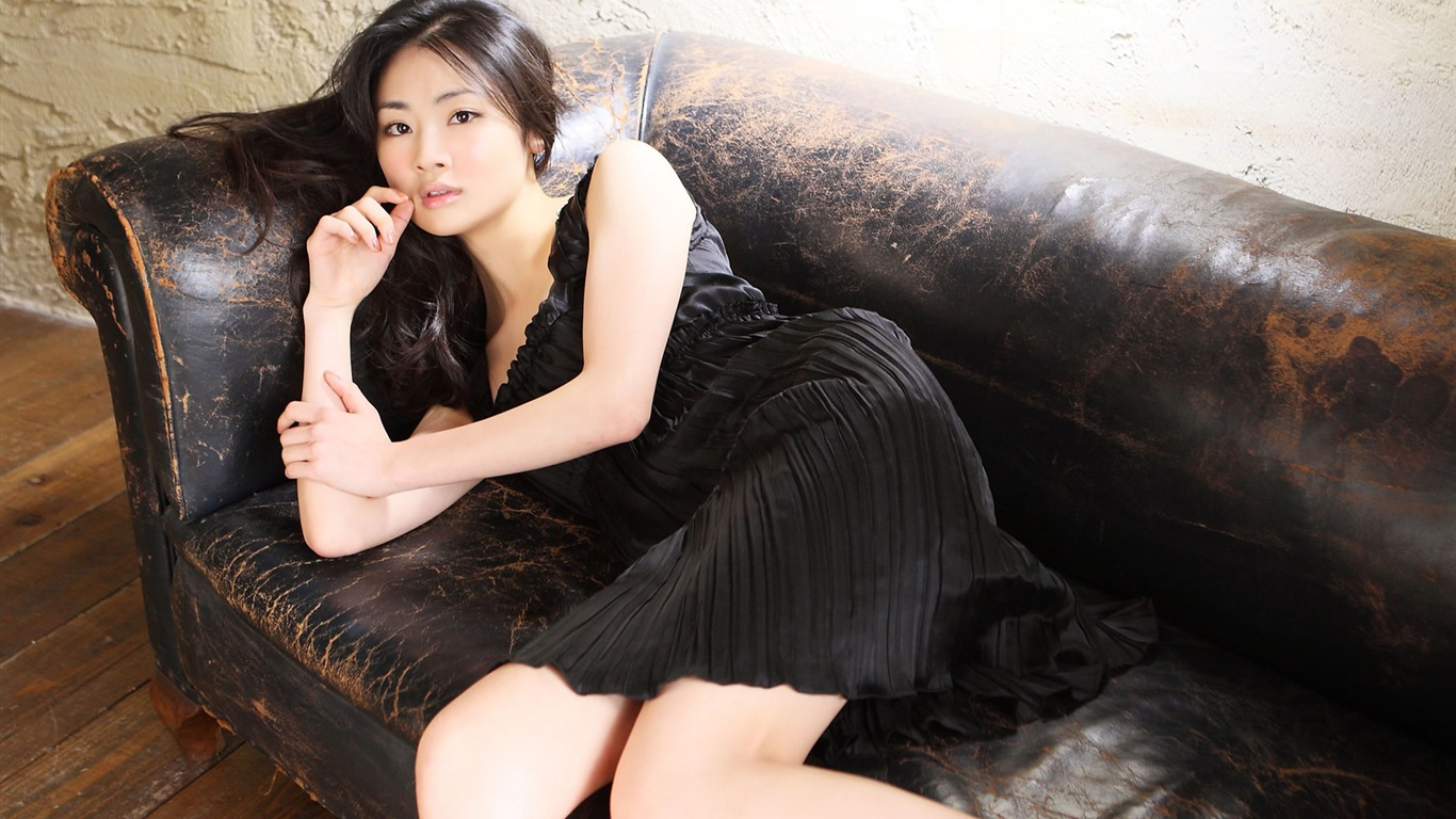 Tantan Hayashi Pics, Women Collection