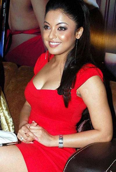Amazing Tanushree Dutta Pictures & Backgrounds