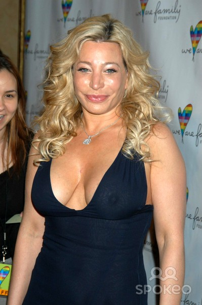 Amazing Taylor Dayne Pictures & Backgrounds