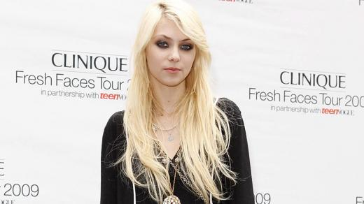 Nice wallpapers Taylor Momsen 520x292px