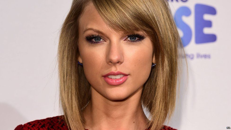 976x549 > Taylor Swift Wallpapers