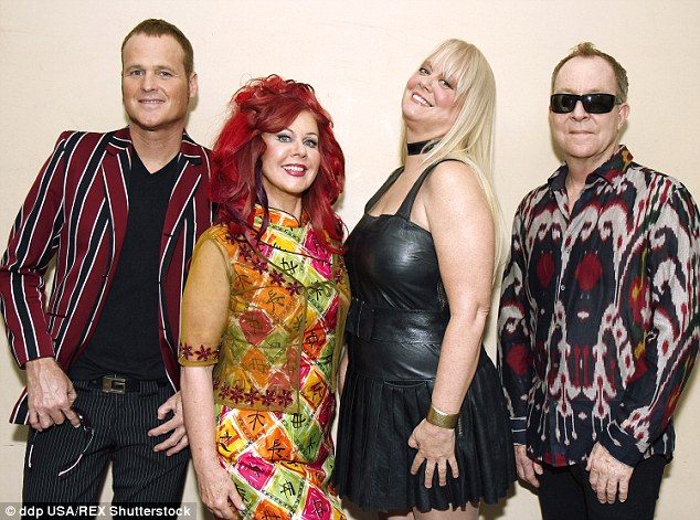 634x471 > The B 52s Wallpapers
