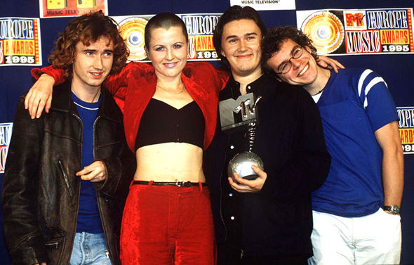 590x377 > The Cranberries Wallpapers