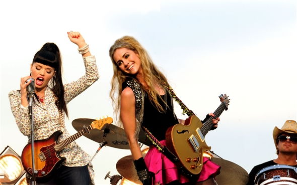 HD Quality Wallpaper | Collection: Music, 590x369 The JaneDear Girls