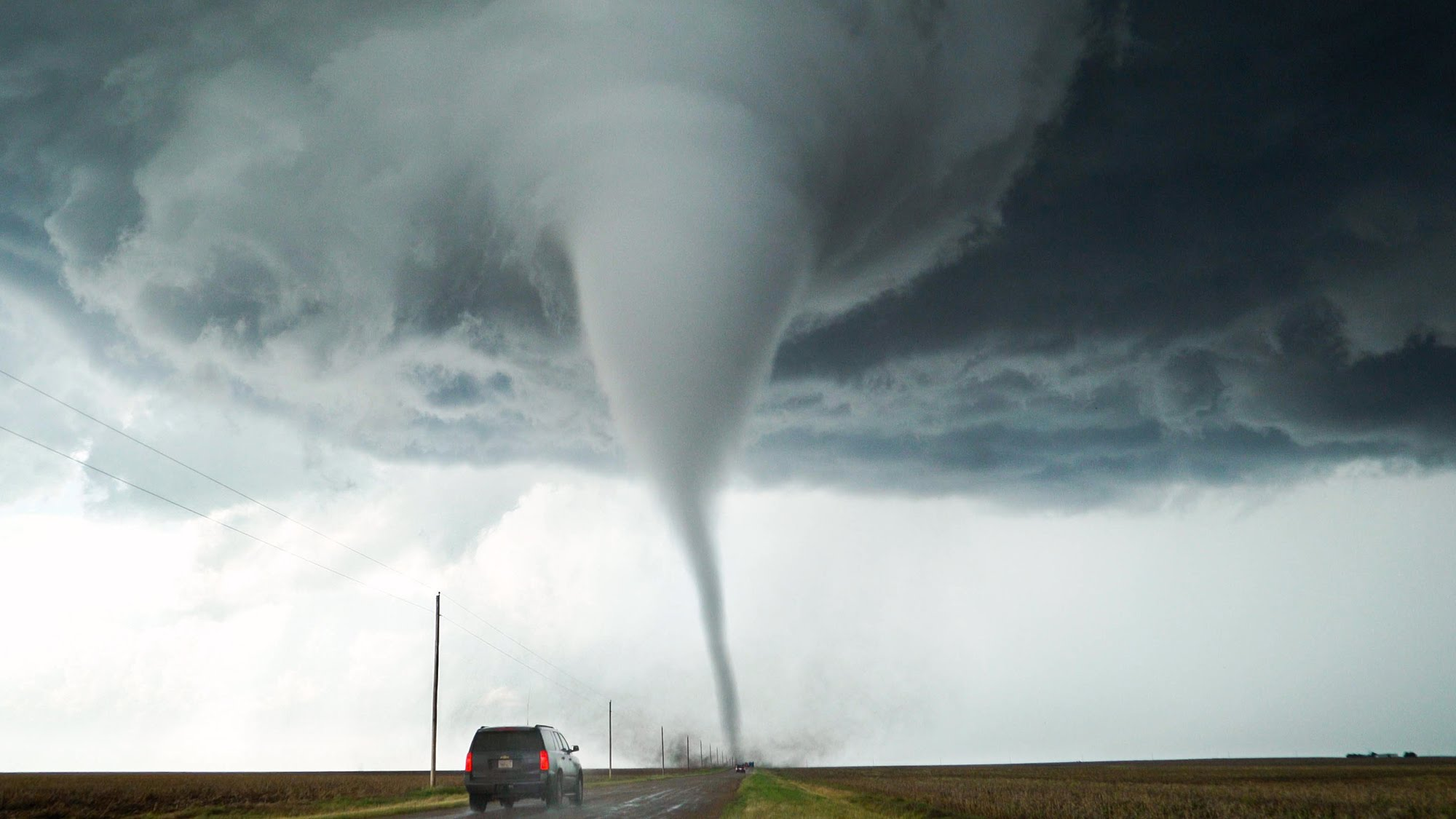 Amazing Tornado Pictures & Backgrounds
