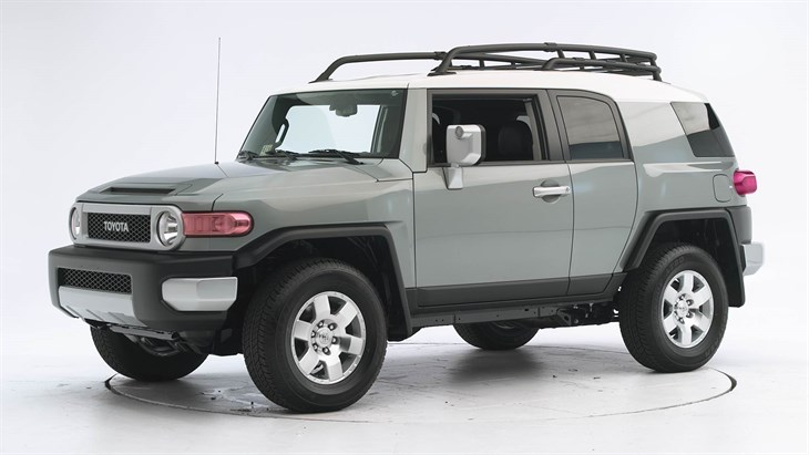 Nice wallpapers Toyota FJ Cruiser 730x411px