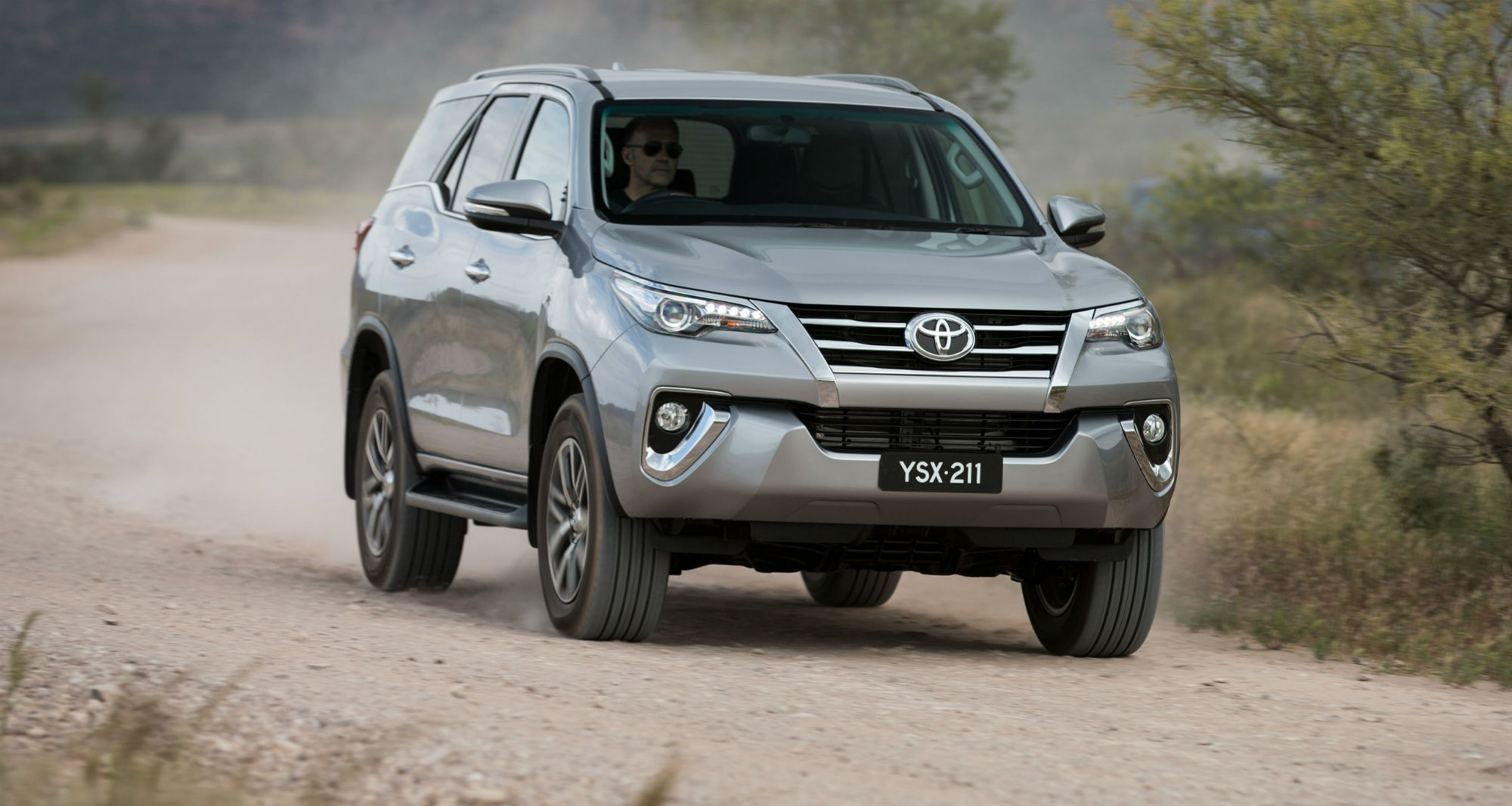 Images of Toyota Fortuner | 2000x1067