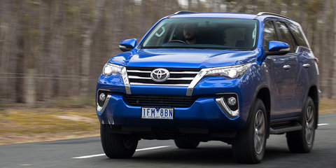Nice wallpapers Toyota Fortuner 480x240px