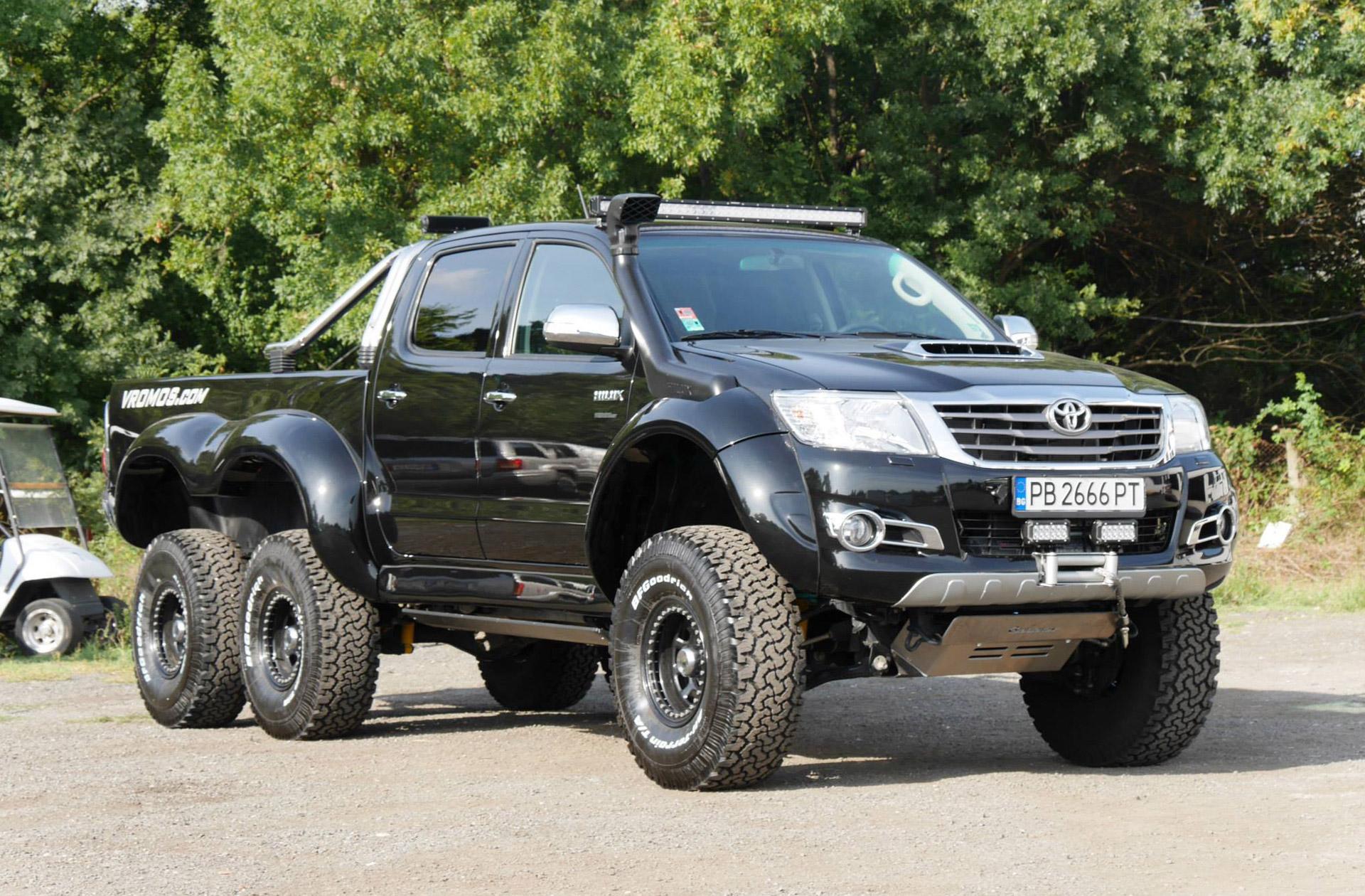 Toyota Hilux #4